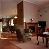 Wygodny pokoj dzienny z widokiem na kuchnie i jadalnie/ Cozy living room with a view over the kitchen and the dining room